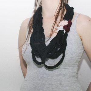 collar trapillo flores