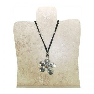 collar flor plateada